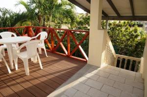 Uma varanda ou terraço em Hersher Studio's & Apartments