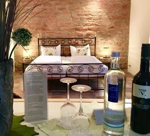 Drinks at HEINRICHs winery bed & breakfast