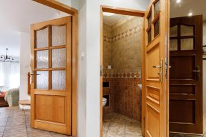 A bathroom at Apartament na doby
