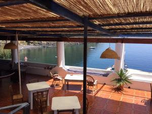 A restaurant or other place to eat at Albergo Seaside