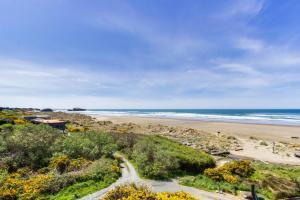A bird's-eye view of Spindrift Oceanfront Home