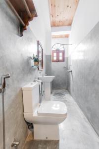 Een badkamer bij Fort Sapphire