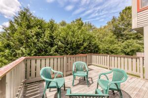 A balcony or terrace at Piper Ridge: B6