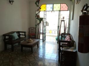 A seating area at Pousada Biribiri