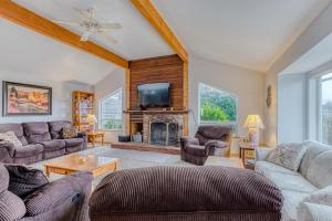 A seating area at A Bandon Retreat
