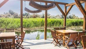 Un restaurant sau alt loc unde se poate mânca la Green Village Resort