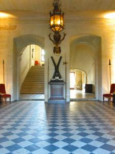 The lobby or reception area at Château de Brissac