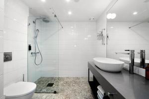A bathroom at Clarion Hotel Oslo