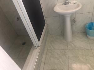 A bathroom at SKYE BAR & LOUNGE