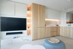 A kitchen or kitchenette at Blvd De La Croisette 82A, Cannes, La Réale