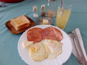 Breakfast options available to guests at Park Hostel