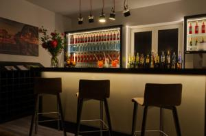 The lounge or bar area at Lizz Hotel Munich