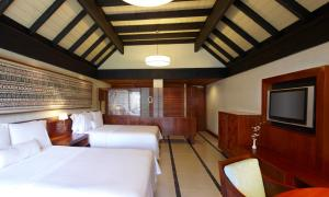 A bed or beds in a room at The Westin Denarau Island Resort & Spa, Fiji