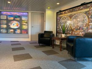 Lobby eller resepsjon på Båtsfjord Polar Hotell