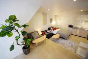 A seating area at Komichi Terrace Oookayama Room2