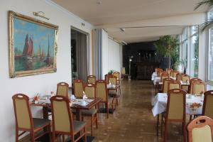A restaurant or other place to eat at Hotel Stolteraa