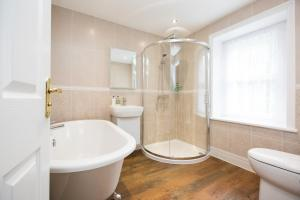 A bathroom at The Leathes Head Country House Hotel