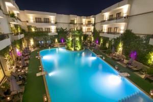 The swimming pool at or close to Kech Boutique Hotel & Spa