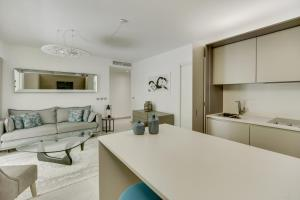 A kitchen or kitchenette at Luxury & Exclusive Resort