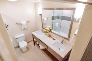 A bathroom at La Cuesta Inn