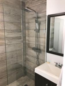 Um banheiro em Doña Clara vacation apartments