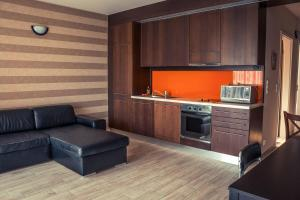 A kitchen or kitchenette at BL YachtClub & Apartments