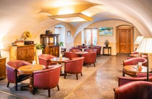 The lounge or bar area at Hotel Elite Prague