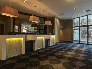 The lobby or reception area at Doubletree by Hilton Edinburgh City Centre