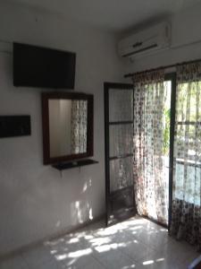 Μια τηλεόραση ή/και κέντρο ψυχαγωγίας στο Tassos 2