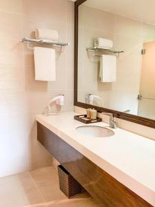 A bathroom at Misibis Bay