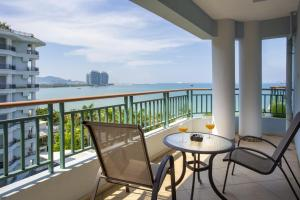 A balcony or terrace at Tianze Beach Resort