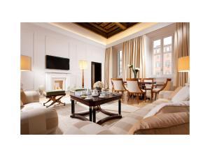 Coin salon dans l'établissement Grand Hotel De La Minerve
