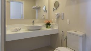 A bathroom at Jatiuca Hotel & Resort