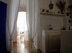 A kitchen or kitchenette at La Dimora di Sara - Provenza