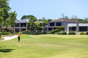 Golf facilities at the vacation home or nearby