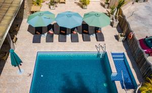 A view of the pool at Chez Bea Luxury Villa or nearby