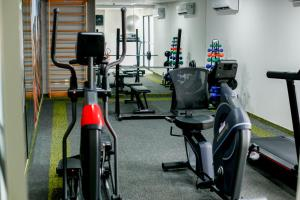 The fitness centre and/or fitness facilities at Mercure Recife Navegantes