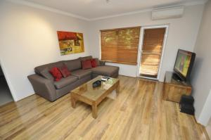 A seating area at North Ryde Self-Contained One-Bedroom Apartment (7KHRT)