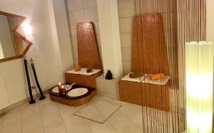 A bathroom at Hotel zur Krone
