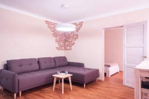 A seating area at Jaani Apartment