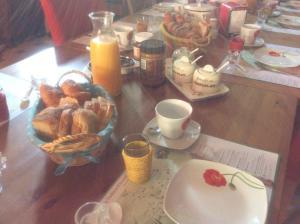 Ontbijt beschikbaar voor gasten van B&B Aire les Biefs