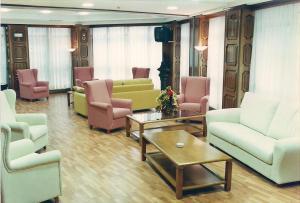 A seating area at Hotel Princess