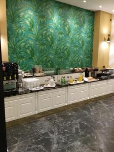 A restaurant or other place to eat at Sercotel Felipe IV