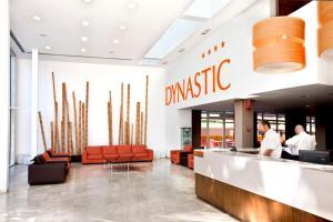 De lobby of receptie bij Dynastic