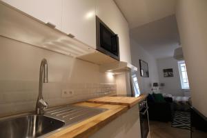 A kitchen or kitchenette at Colmar City Center - Quiet Studio ALSACE