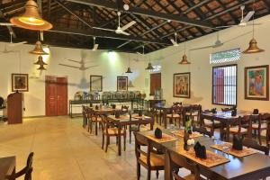 A restaurant or other place to eat at FOX JAFFNA by Fox Resorts