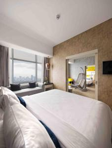 Yello Hotel Harmoni Jakarta Updated 2021 Prices