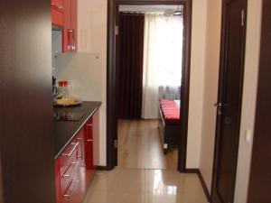 Кухня или мини-кухня в Yauza Inn