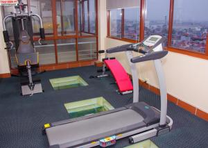 The fitness center and/or fitness facilities at Lac Long Hotel Hai Phong