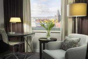 אזור ישיבה ב-Hilton Prague Old Town